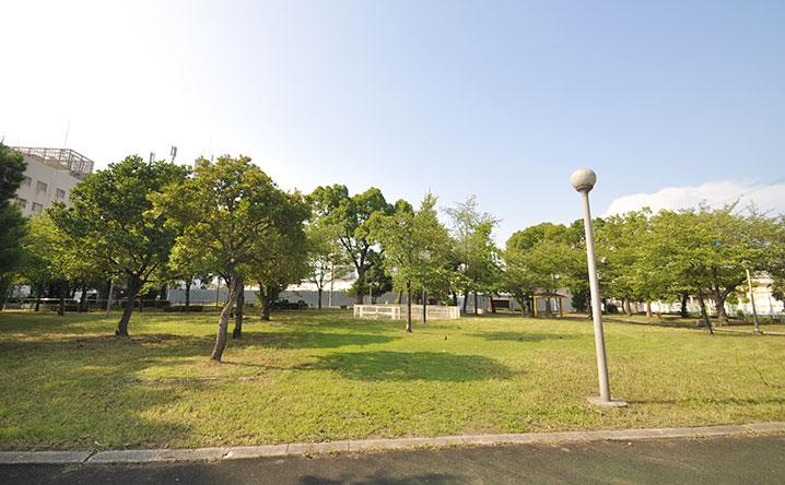 浪速中公園